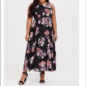 Torrid 20S Black Floral Georgette Maxi Dress